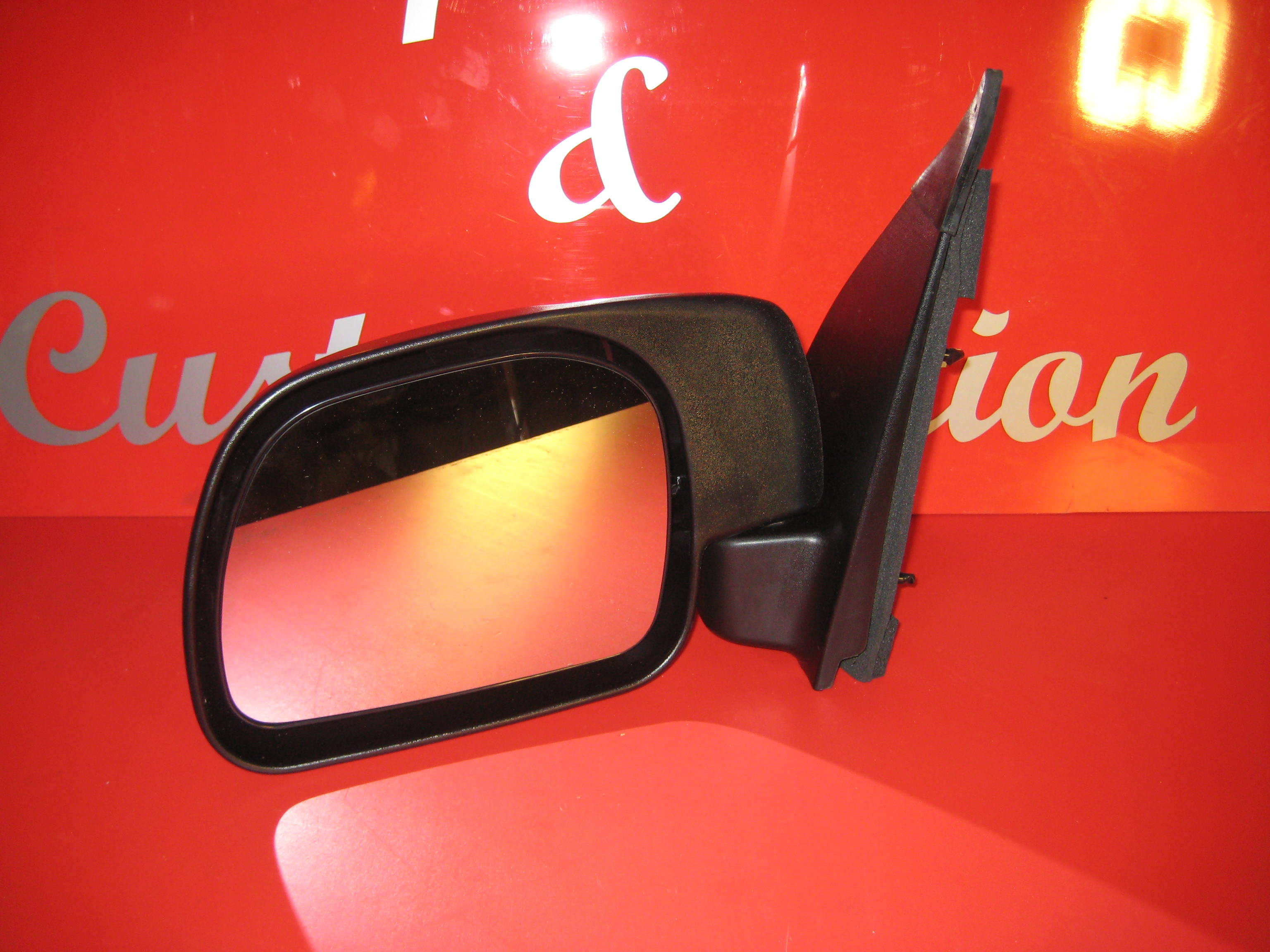 "Excursion Drivers side single glass wing mirror ""standard"""